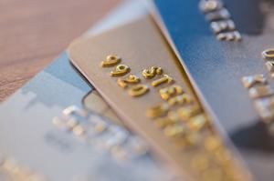 3枚のクレジットカード