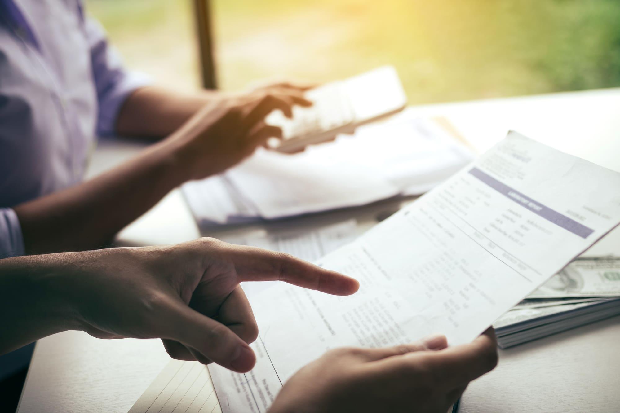 法人カードの年会費は消費税がかかる!  経費計上時の3つの注意点